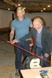 Stefan Kretzschmar und Klaus Teuber eröffnen die 8. Catan WM